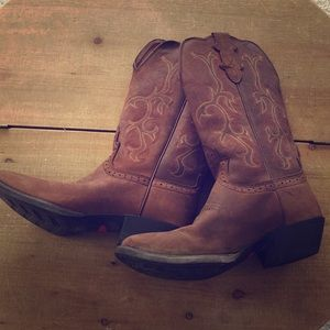 """Woman's """"Justin"""" cowgirl boots"""
